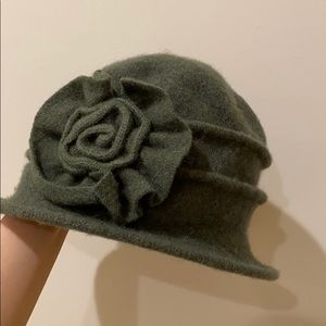 Accessories - Vintage style hat